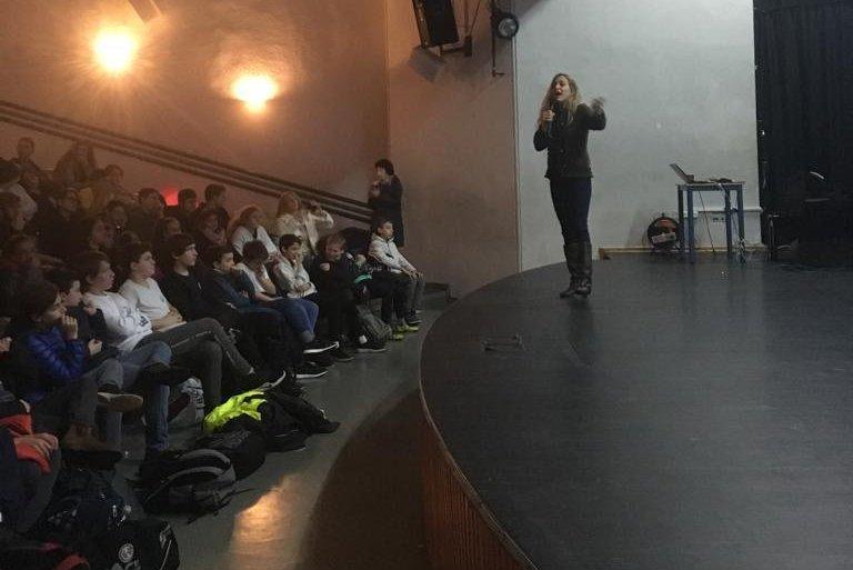 הרצאות בבתי ספר